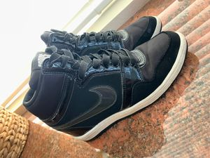 Nike FORCE HIGH SHOES SIZE 8 for Sale in Corona, CA
