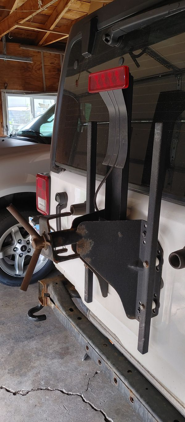 Jeep Jk. Spare tire carrier. No light