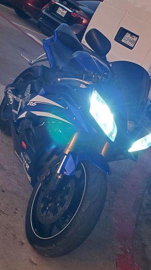 Yamaha 2006 r6 motor 750 journey 2011 titulos limpios.las cambio x silverado 2014 o 2015 doy rivete for Sale in Arlington, TX