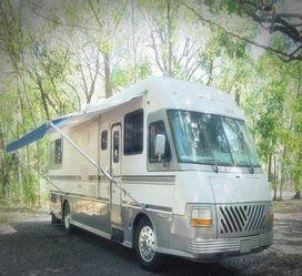 Diesel Pusher camper Newmar for Sale in Sharpsburg,  PA