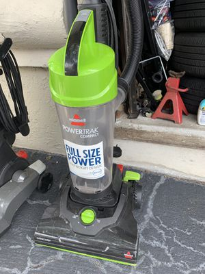 Bissell PowerTrack Lightweight Vacuums Cleaner in Excellent Condition asking only $50. Today for Sale in Boca Raton, FL