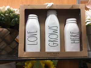 Rae Dunn LOVE GROWS HERE vase bottles set of three flower holder for Sale in Pompano Beach, FL