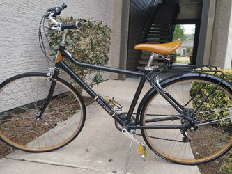 "Huffy Main Street Lexington 700C/27"" comfort cruiser bike for Sale in Pearland,  TX"