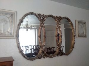 BIG MIRROR GOOD CONDITION for Sale in Houston, TX