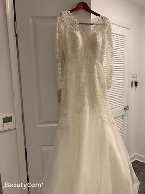 long sleeve Wedding dress Camilla Size 2 tailored to size O for Sale in Arlington, VA