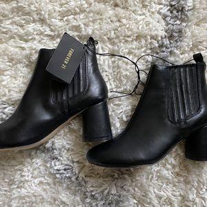 Black Boots for Sale in San Bernardino, CA