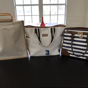 4 Purses Tote Canvas And Cross shoulder Bags for Sale in Austin, TX