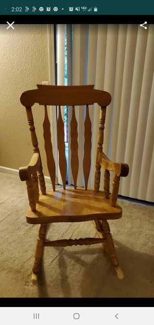 Miscellaneous items need gone including washer dryer and six Ethan Allen bar stools for Sale in Lynnwood, WA