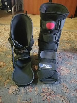 Large High Foot & Ankle Brace Included With A Sleeping Brace for Sale in Garden Grove, CA