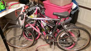 Ladies bike ( moving) for Sale in Arnold, MO