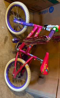 Little Girls Bike for Sale in Silver Spring,  MD
