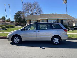 2007 Toyota Sienna van original owner low miles for Sale in Los Angeles, CA