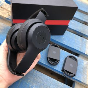 Beats solo 3 Bluetooth wireless headphones 🎧 matt black 100% original beats guaranteed 💪💪 used with used signs and minor scratches for Sale in Rosemead, CA