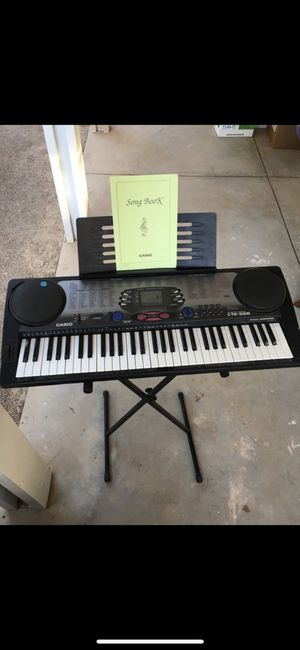 ***$125 O.B.O - CASIO Keyboard - Barely used, Plays music, Song book included***$125 O.B.O. for Sale in Las Vegas, NV