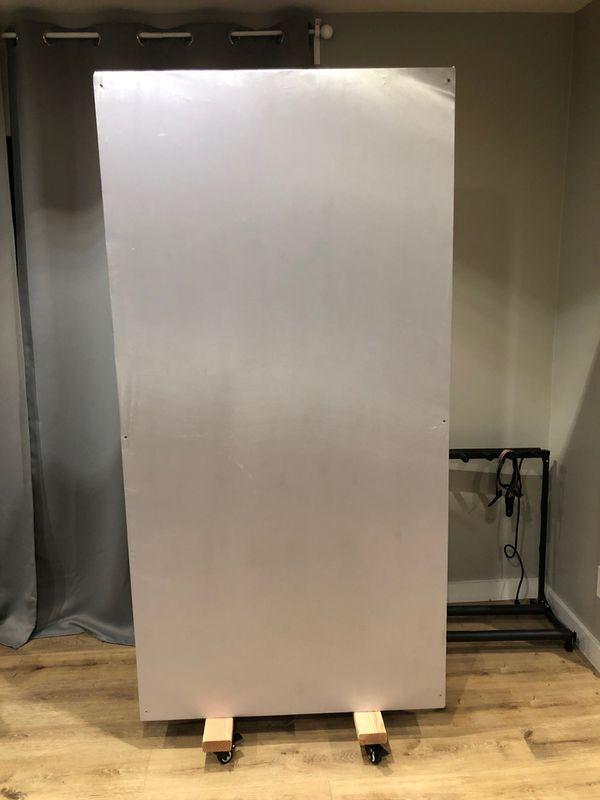 Pro Audio GOBO moving studio wall