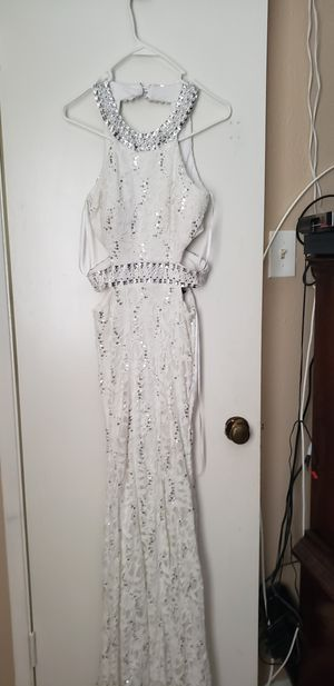 White prom dress size 7/8 for Sale in Houston, TX