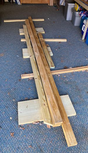 Free 2x4 quantity 4. for Sale in Chattanooga, TN