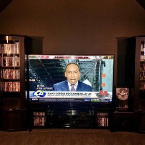 80 Inch LED SMART TV- Sharp Aquos HD 1080p with Remote. for Sale in Frisco, TX