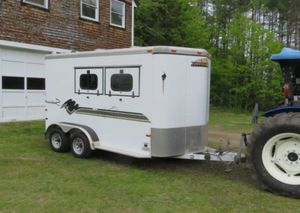 $1OOO Excellent Condition 2 horce trailer At Looking. for Sale in Raleigh, NC