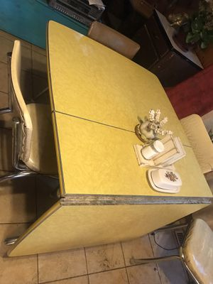 Vintage Formica dropleaf gate leg table $150 for Sale in Hansville, WA