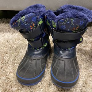 Snow boots for boys or girls for Sale in Philadelphia, PA