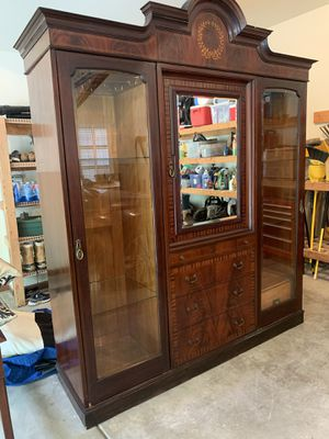 Antique display cabinet with lighting I for Sale in Naperville, IL