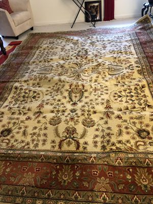 Safavid Lyndhurst Collection, 100% Polypropylene Rug. Easy cleaning. Just sweep, vacuum, or rinse off with a garden hose. for Sale in Washington, DC