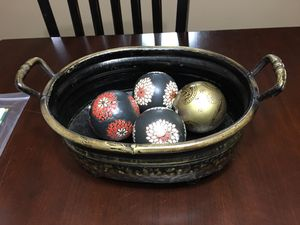 Decorative bowl + balls for Sale in Kissimmee, FL