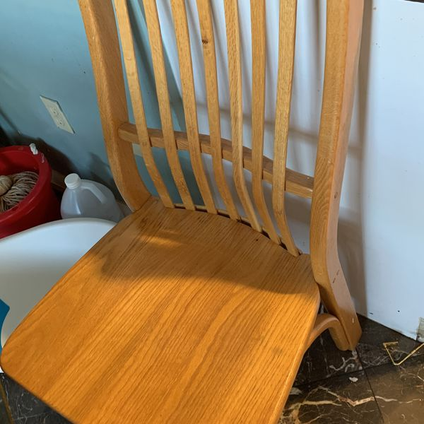 Wood table W 4 Chairs great Condition