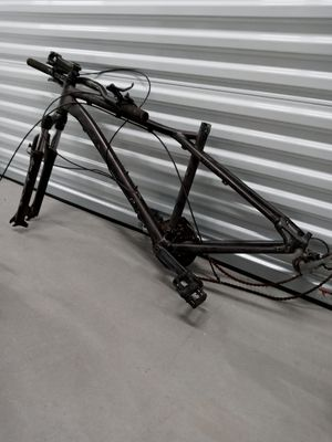 Rad GT mountain bike frame and front suspension shocks all GT would build an awesome bike for Sale in Santa Maria, CA