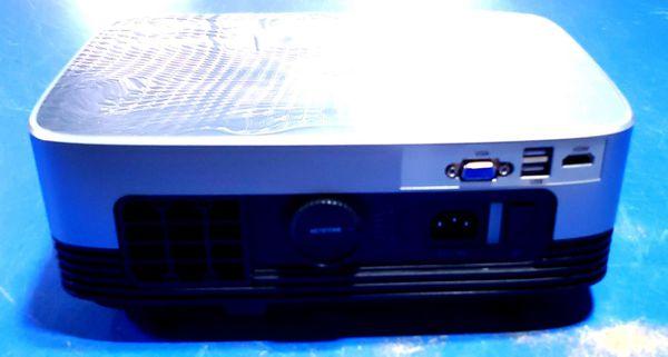 Phoota C26 LED projector