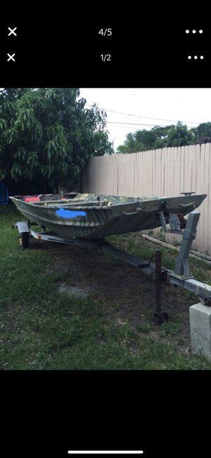 16ft John boat trailer motor clean title $1250 firm for Sale in Pompano Beach, FL