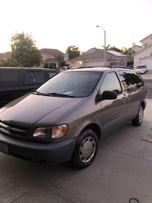 1998 Toyota Sienna for Sale in Menifee, CA