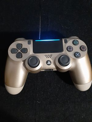 gold edition ps4 controller for Sale in Ceres, CA