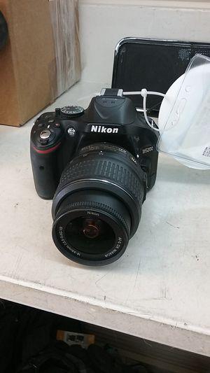 Nikon d5200 dslr camera for Sale in Spring, TX
