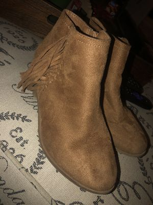 Girl boots size 2 for Sale in Anaheim, CA