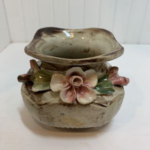 Vintage Italian Capodimonte vase for Sale in Novelty, OH