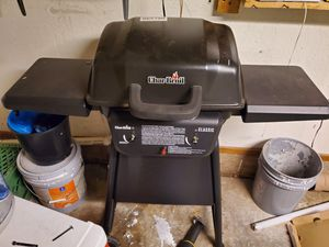 Brand New Charlbroil Propane Grill With Tank for Sale in Lawton, OK