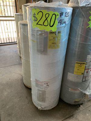 Water heater electrico 40 galones 1 año de garantía for Sale in Los Angeles, CA