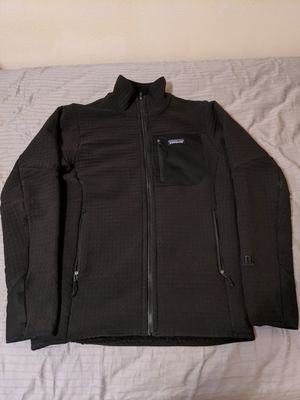 Patagonia R2 men's fleece black sz S for Sale in Lynnwood, WA