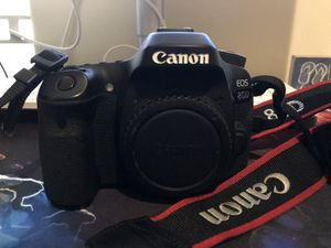 Canon Eos 80D for Sale in Bakersfield, CA