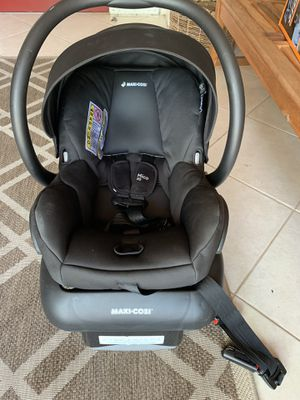 Infant car seat maxi-cosi for Sale in Pompano Beach, FL