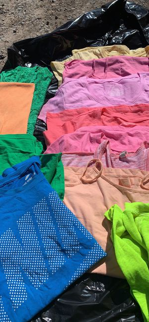 T-shirt's tank tops cami women's size M/L lot of 12 for Sale in Prineville, OR