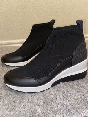 Michael kors boots for Sale in Austin, TX
