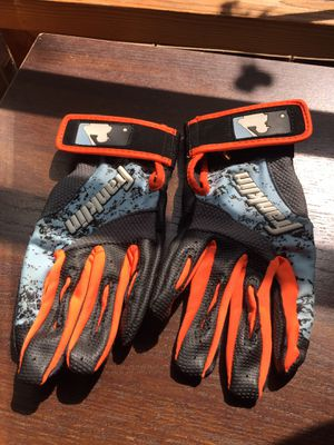 Youth extra small baseball gloves for Sale in Greensboro, NC