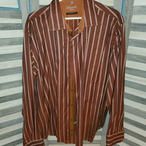 NEW MEN'S VISCONTI DRESS SHIRT (XL) for Sale in Lansing, IL