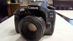 Canon 80D with 50mm 1.8 lens mint condition and accessories for Sale in Plano, TX