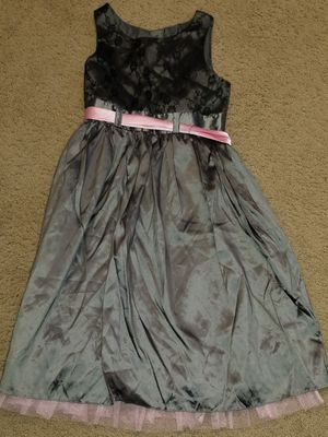Girls dress with matching doll dress for Sale in Gaithersburg, MD