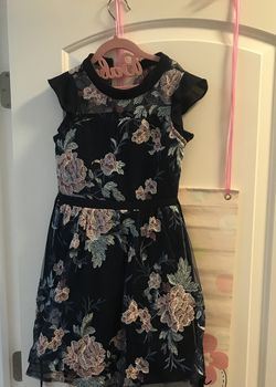 Beautiful Flower Dress Girls Size 10 for Sale in Queens,  NY