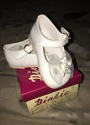 White baby girl shoes for Sale in Las Vegas, NV